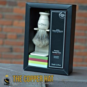 edwin-jagger-imitation-ivory-best-badger-shaving-brush-sandalwood-shaving-cream-1